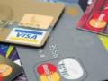 信用卡盛宴落幕: 7家上市银行不良率上升, 互金共债风险拖累
