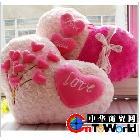 批发供应爱心抱枕 情侣玫瑰花抱枕 创意蕾丝款与花束款抱枕